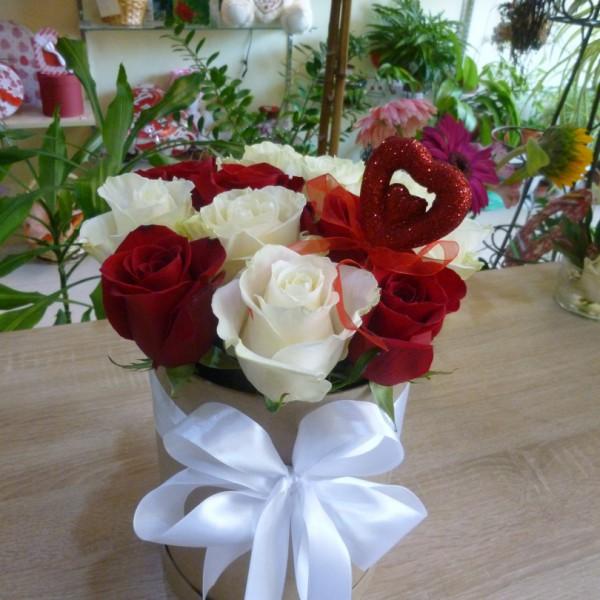 13 роз в коробке Крафт