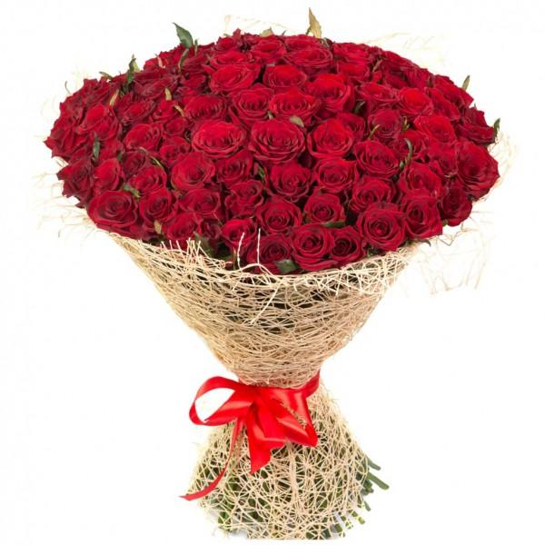 101 роза в упаковке