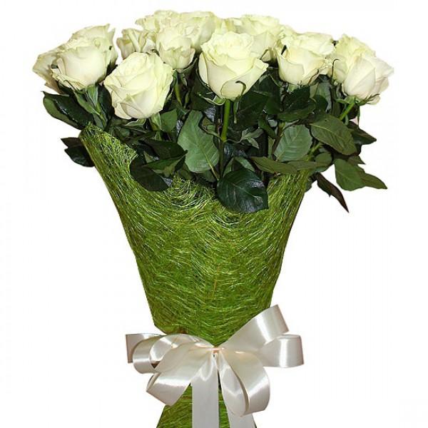 15 белых роз, сизаль