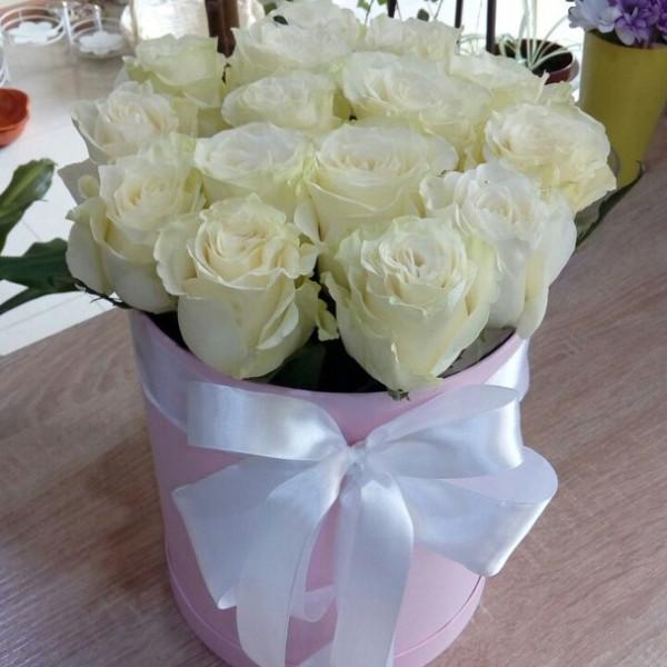 15 роз в коробке (розовая)