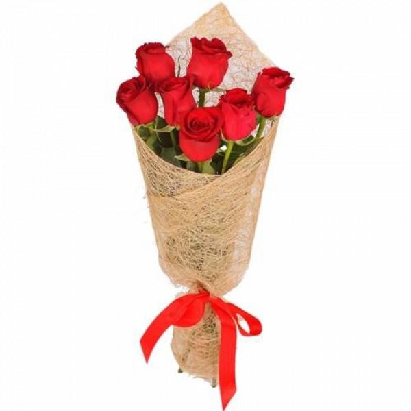 7 бордовых роз, сизаль