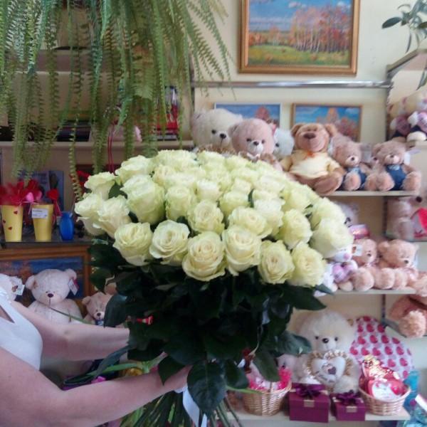 51 белая роза